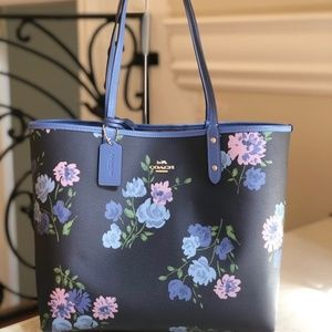 NWT coach Floral reversible tote+wristlet